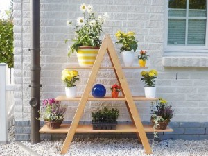 Blumentreppe-Holz